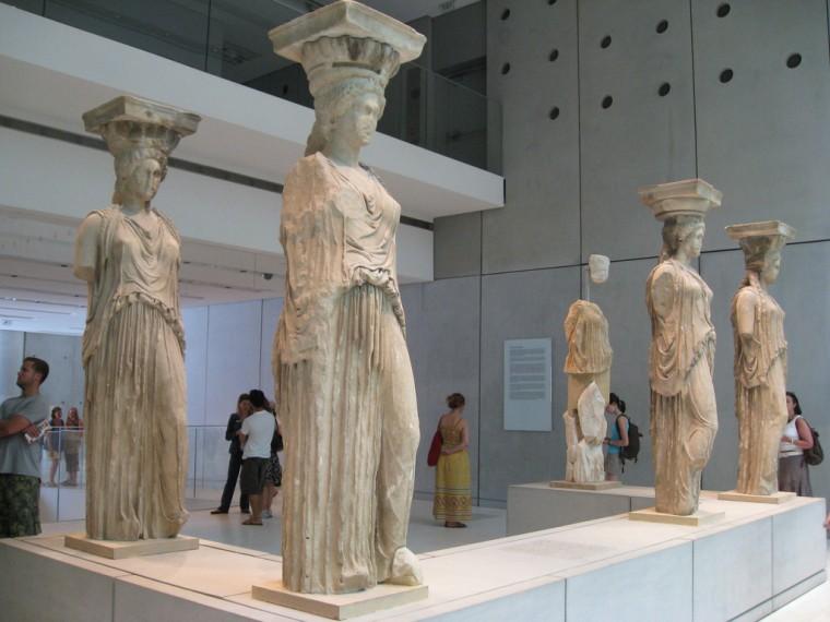 Γονείς και παιδιά γιορτάζουν την Διεθνή Ημέρα Μουσείων στο Μουσείο Ακρόπολης με δωρεάν ξενάγηση και παιχνίδια με λιοντάρια (18/5)