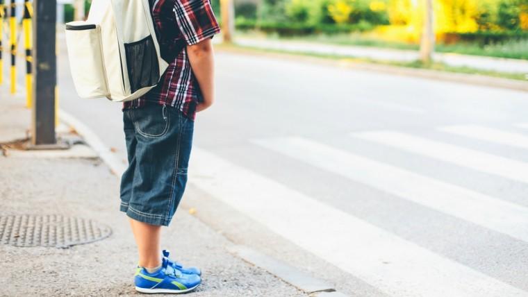 woman-makes-kids-walk-to-school-as-punishment