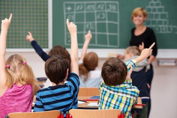 παιδί και βαθμοί σχολείου