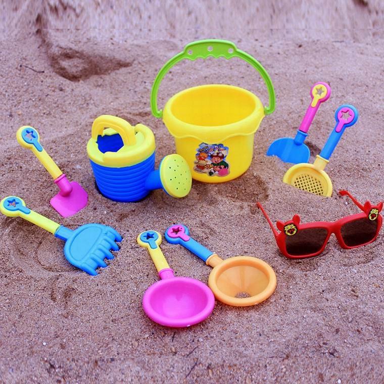 παιδικά παιχνίδια στην άμμο