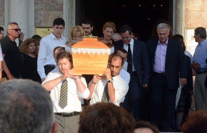 κηδεία Νίκη Νικολοπούλου