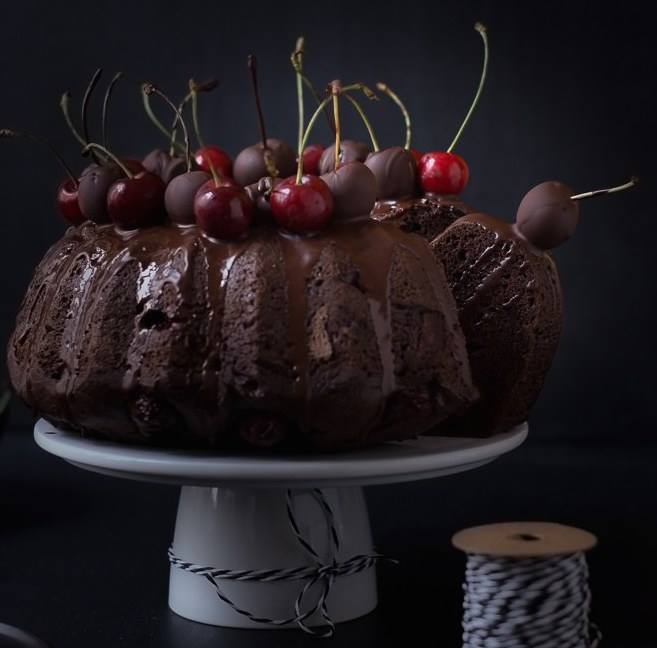 Κέικ σοκολάτας με κεράσια