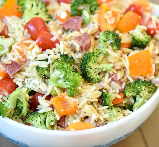 Καλοκαιρινή σαλάτα με κριθαράκι