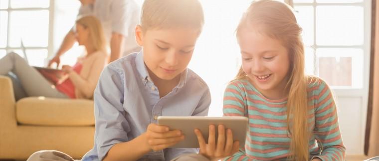 Τα tablets και οι ψηφιακές συσκευές «εχθρός» της μυοσκελετικής ανάπτυξης των παιδιών