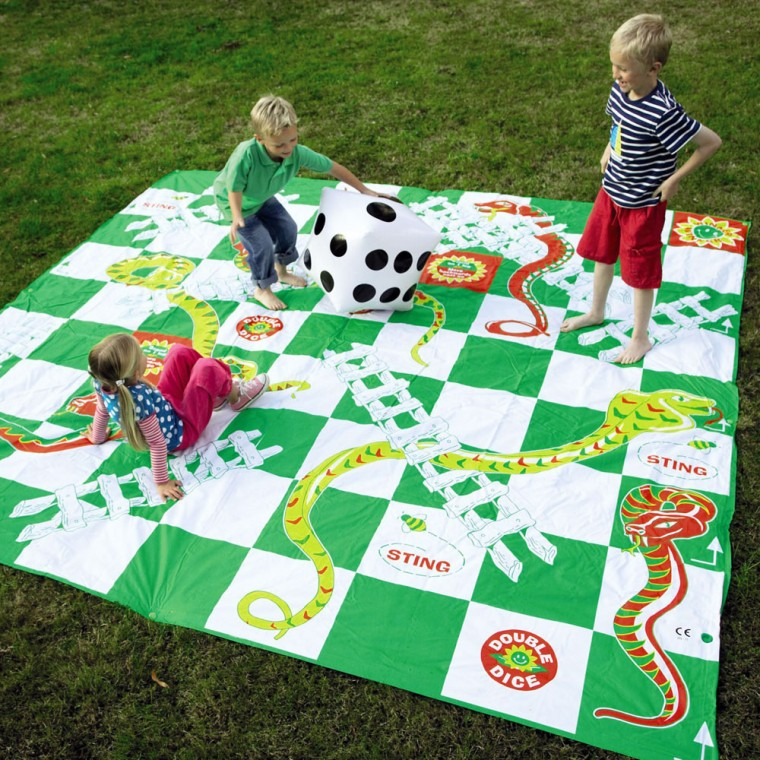 Outdoor-Game-and-Toys