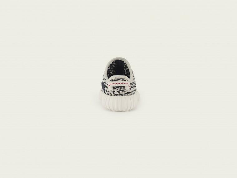 Το πολυσυζητημένο YEEZY adidas σε παιδικά και βρεφικά μεγέθη bd31b53f415
