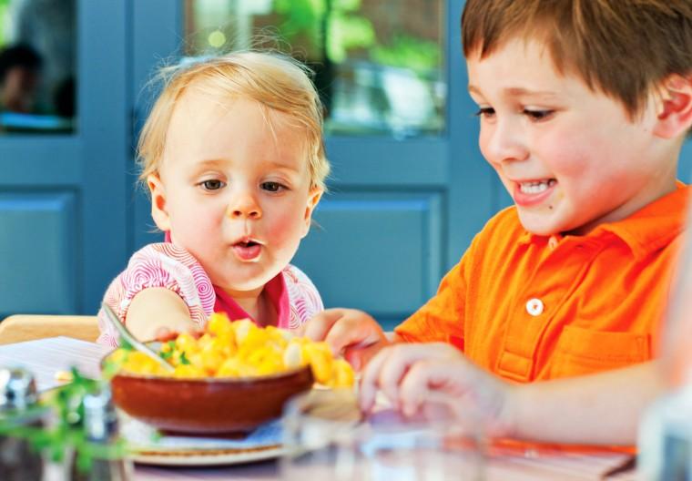 kids_eating