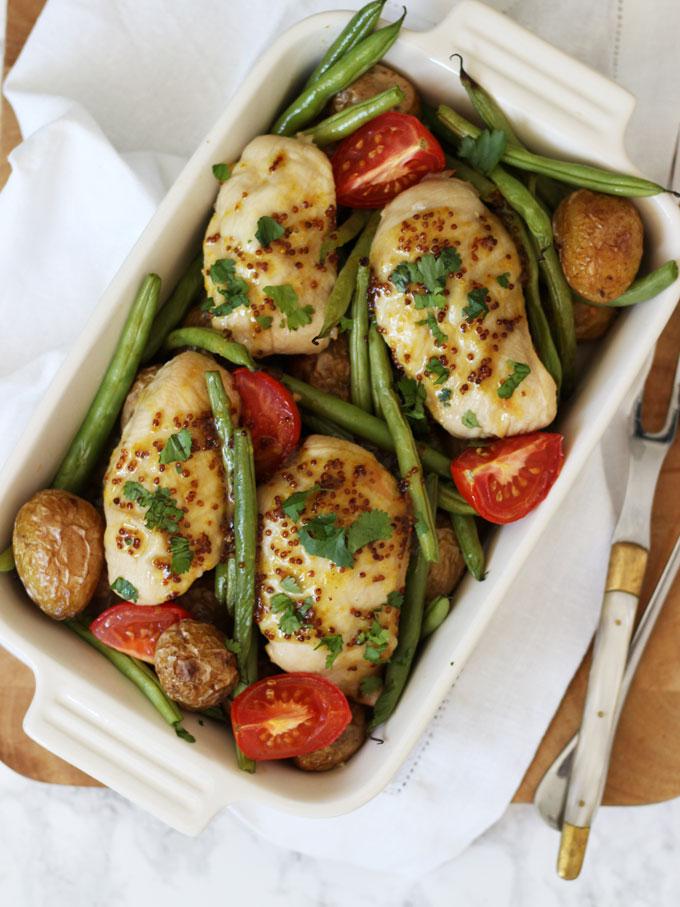 Κοτόπουλο στο φούρνο με πατάτες και φασολάκια