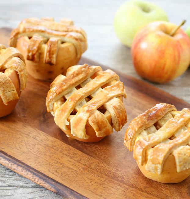 Μήλα με γέμιση μηλόπιτας