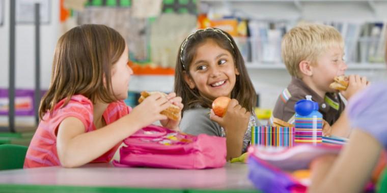 Για 6 συνεχή σχολική χρονιά, το πρόγραμμα σίτισης Διατροφή βρίσκεται στο πλευρό των μαθητών με οικονομικά προβλήματα
