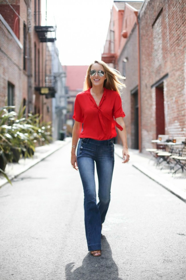 woman-flare-jeans