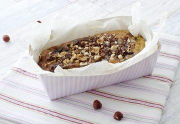 Κέικ με αχλάδια, καρύδια και σταφίδες