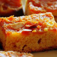 Κέικ αμυγδάλου με γλάσο