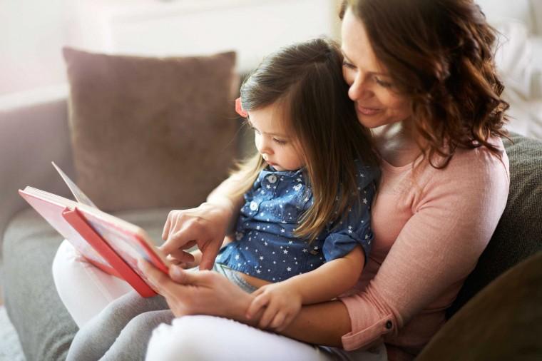 Από ποια ηλικία να αρχίσω να διαβάζω βιβλία στο παιδί μου  448d1c51e70