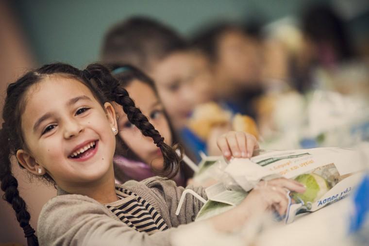 4.000 μαθητές θα λαμβάνουν καθημερινά υγιεινά γεύματα σε σχολεία χάρη στο Πρόγραμμα ΔΙΑΤΡΟΦΗ