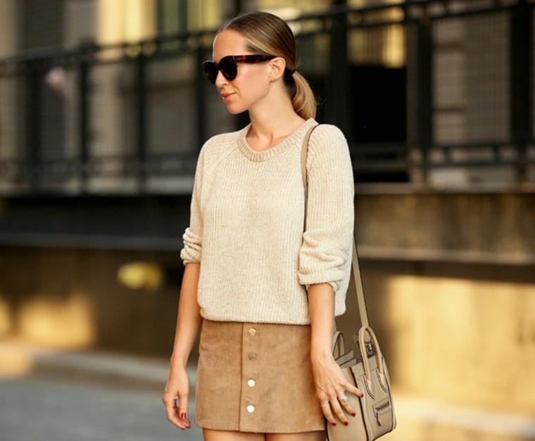 531f329cecf7 Οι πιο μοντέρνοι τρόποι να φορέσεις τη suede φούστα σου