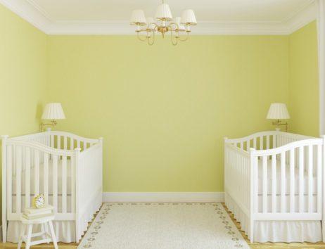 Το πράσινο με πινελιές κίτρινου είναι ιδανικό  χρώμα και ουδέτερο για το υπνοδωμάτιο του μωρού σας