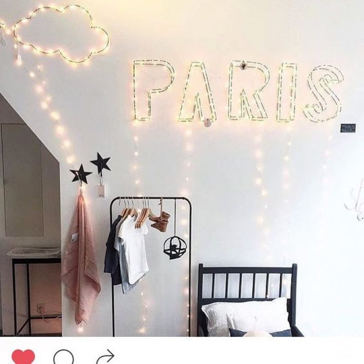 parisstringlight