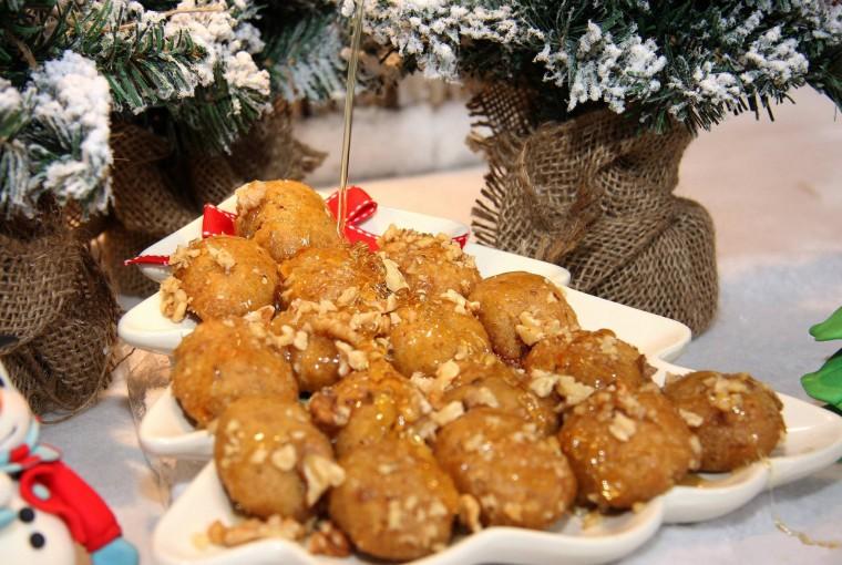 3 τυχεροί νικητές θα κερδίσουν τα χριστουγεννιάτικα γλυκά για το εορταστικό τραπέζι από το Ζαχαροπλαστείο Μελιστάλακτο