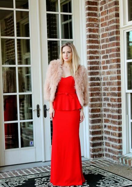 f3157e904324 Τα leather jackets ταιριάζουν σχεδόν με όλα τα φορέματα. Θα χαρίσουν μια  ροκ πινελιά στο look σου!