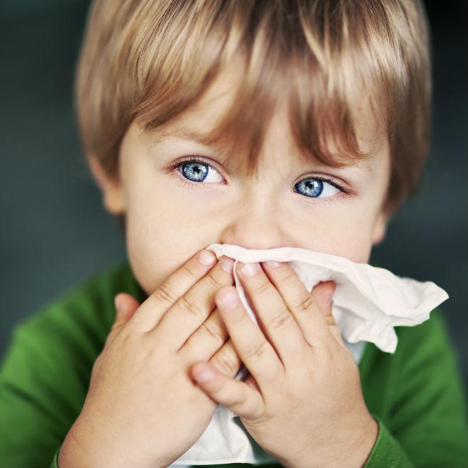 Κρατήστε το παιδί μακριά από τις ιώσεις που καραδωκούν στο σχολείο