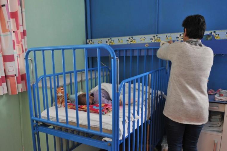 Πάτρα: Τι έδειξαν οι εξετάσεις DNA για τα 3 εγκαταλελειμμένα κοριτσάκια – Γιατί η μητέρα αρνείται τα αποτελέσματα;
