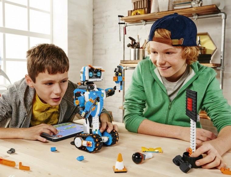 Μαθαίνουμε τα μυστικά της εκπαιδευτικής ρομποτικής με τα Lego WeDo στον Πολυχώρο Μεταίχμιο (3/3)