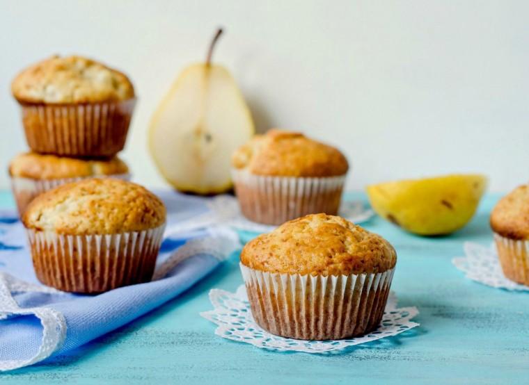 Muffins με αχλάδια και σοκολάτα