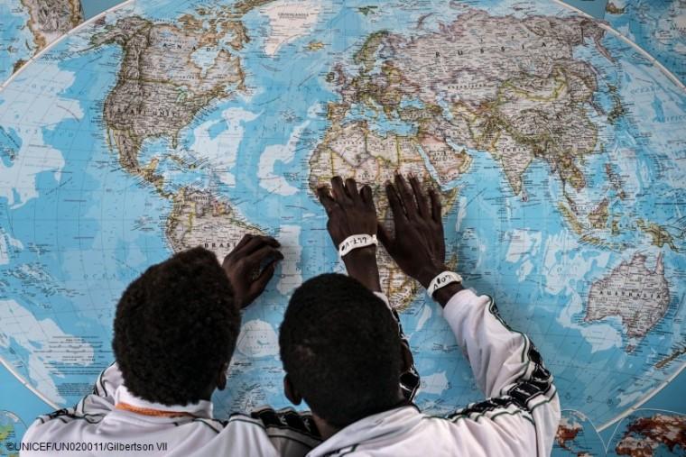 Από τη Βόρεια Αφρική προς την Ευρώπη: Ένα θανάσιμο ταξίδι για τα παιδιά-πρόσφυγες και μετανάστες