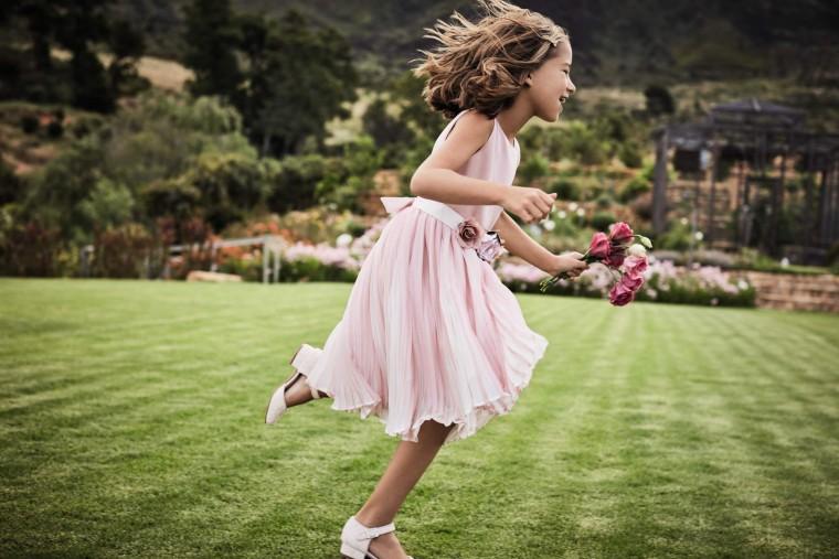 415c0758d81 Τα παιδικά ρούχα Monsoon για το καλοκαίρι θα ξετρελάνουν τις μικρές κυρίες  σας! Από τα ρομαντικά σύνολα για τις ηλιόλουστες ημέρες της άνοιξης έως τα  όμορφα ...