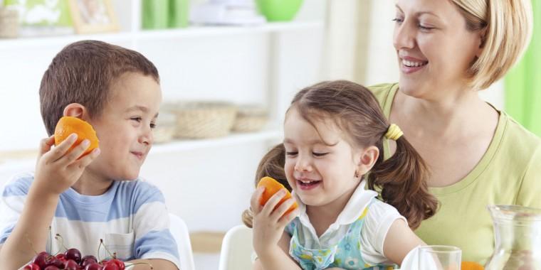 Αντιμετωπίστε τη δυσκοιλιότητα του παιδιού με σωστό διατροφικό πρόγραμμα