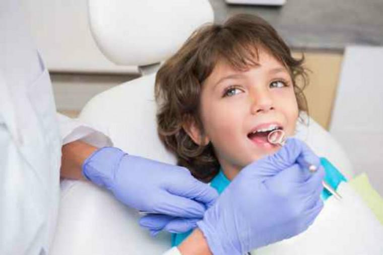 """""""Τα αντιβιοτικά δεν είναι καραμέλες"""" – Οι συστάσεις από έναν οδοντίατρο"""
