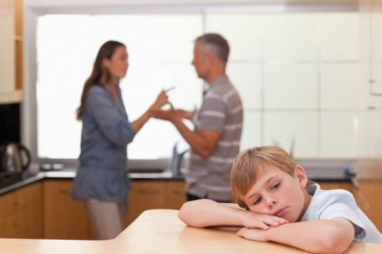 Υπό ποιες προϋποθέσεις μπορεί ένας πατέρας να διεκδικήσει την επιμέλεια παιδιού από τη μητέρα;