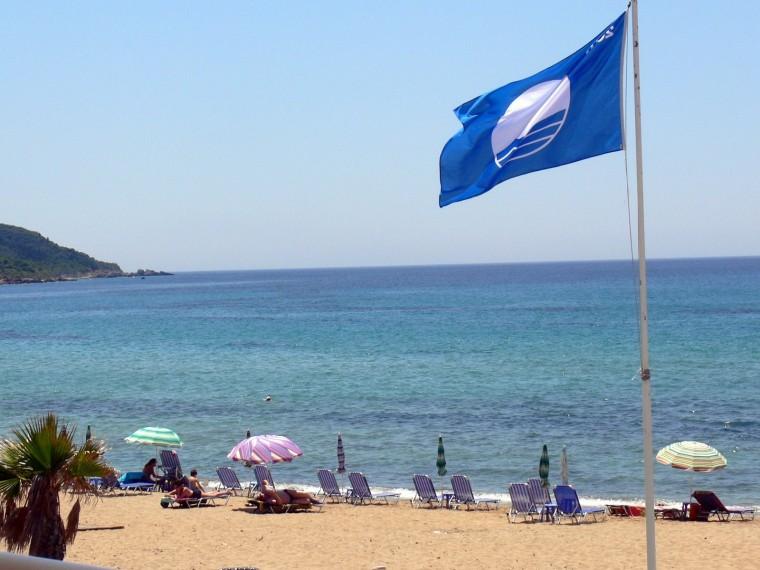 Καλοκαίρι 2017: Αυτές είναι οι παραλίες της Αττικής που πήραν Γαλάζια Σημαία