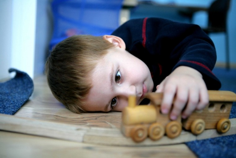 Γιατί ορισμένα παιδιά με αυτισμό έχουν βίαιες συμπεριφορές;