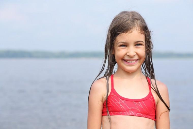 Μύθοι και αλήθειες για τον καύσωνα: Η παιδίατρος Χαρά Μπακογεώργου μάς συμβουλεύει για την σωστή προστασία των παιδιών