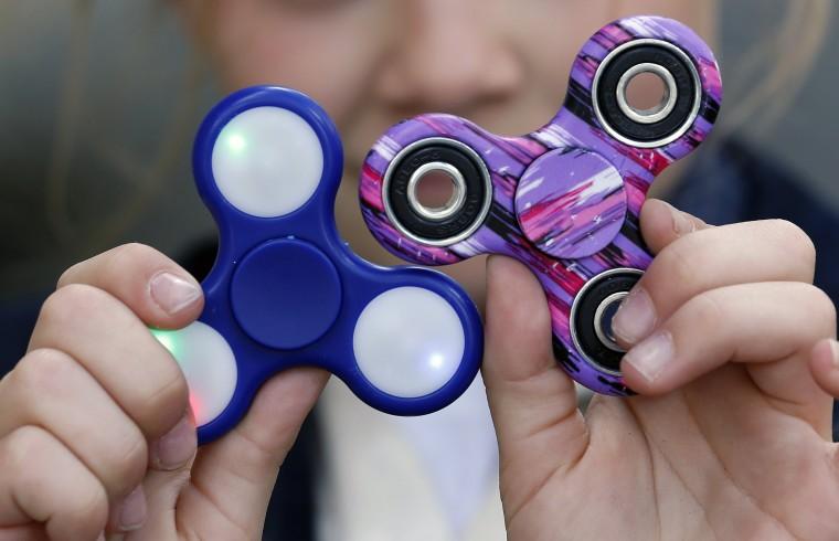 Fidget Spinner: Είναι παιχνίδι ή θεραπευτική μέθοδος για τα παιδιά με ΔΕΠΥ;