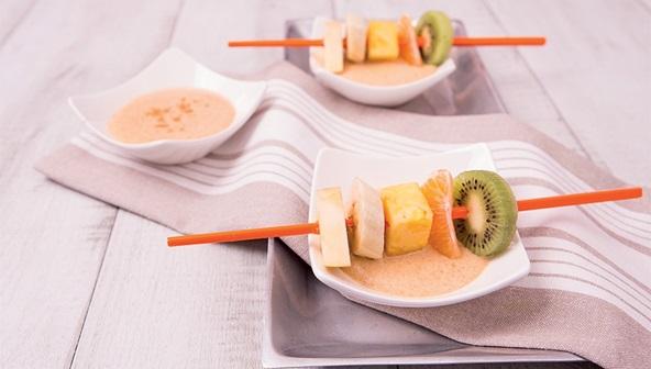 Μαγειρεύουμε παρέα… Σουβλάκια Φρούτων με αρωματική σάλτσα