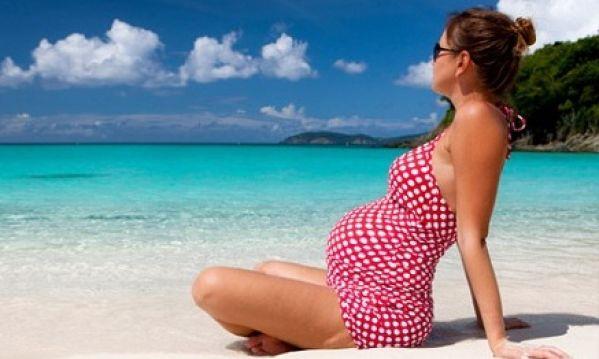 Καύσωνας: Γιατί επιβαρύνει τις εγκύους;
