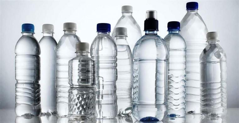 Γιατί δεν πρέπει να ξαναγεμίζουμε τα μπουκάλια νερού;