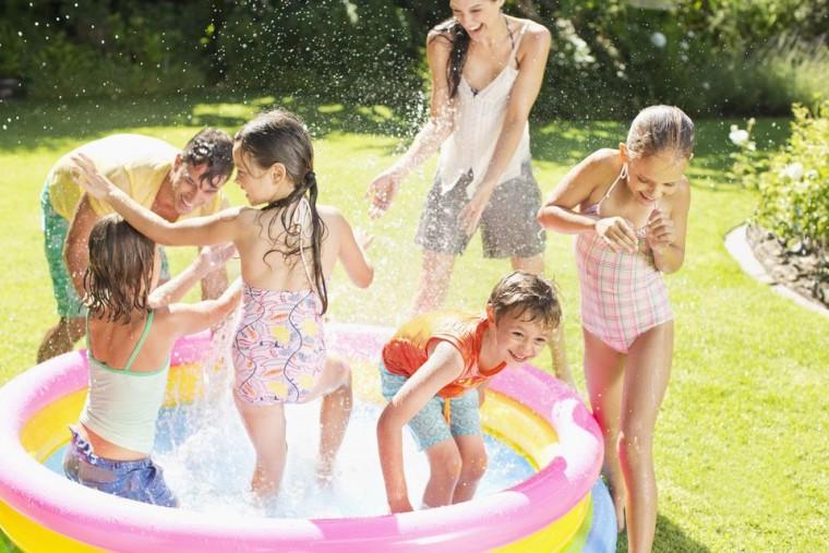 Καλοκαίρι, δεν σημαίνει παιδιά κολλημένα μπροστά σε μια οθόνη, αλλά ευκαιρία για παιχνίδι και δραστηριότητες