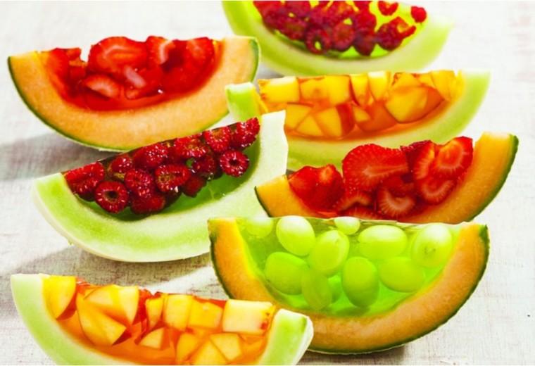 Πεπόνι γεμιστό με ζελέ φρούτων