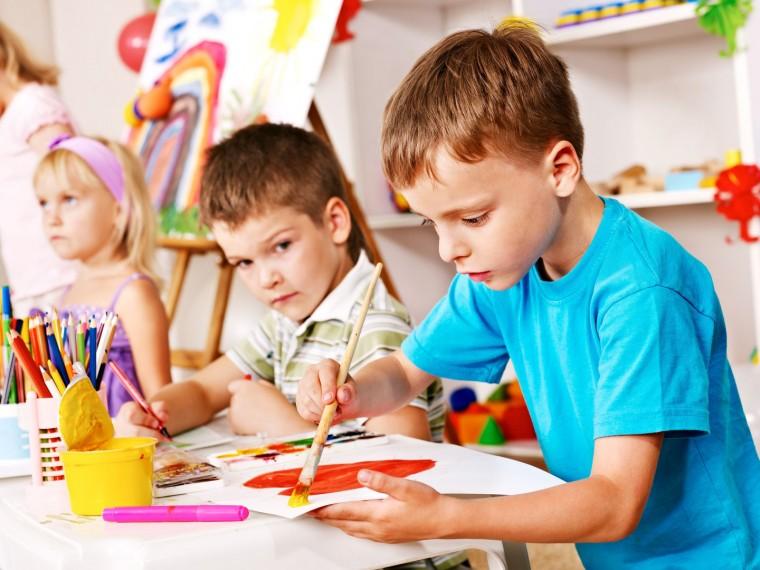 Μπορεί τα παιδιά να βάζουν τα δυνατά τους για να ανταποκριθούν στις  σχολικές υποχρεώσεις αλλά εκτός από την κλασικής διαδικασία της μάθησης f718634734b