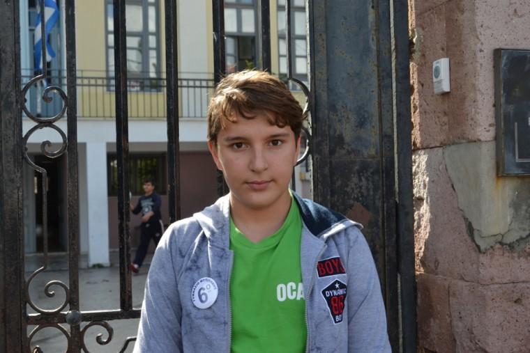 «Με λένε Ιμάν, είμαι 13 χρονών και αύριο θα παρελάσω για να να δείξω την εκτίμηση μου στην πατρίδα που με φιλοξενεί…..»