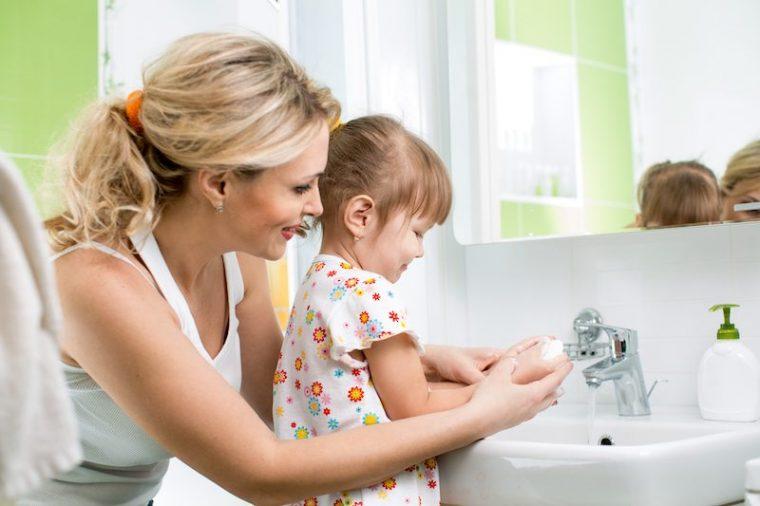 3bfd794af2e Η καθαριότητα είναι η μισή αρχοντιά... και ολόκληρη η υγεία αφού η εξάπλωση  ασθενειών συνδέεται άρρηκτα με τους κανόνες υγιεινή και καθαριότητας.