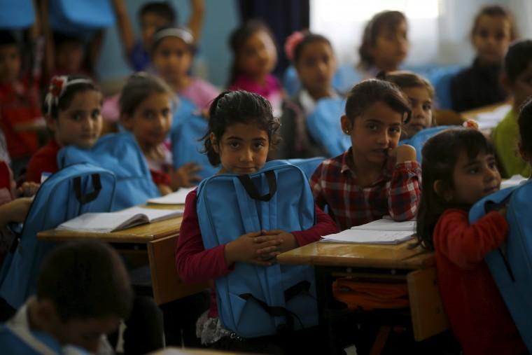 Σχολική Χρονιά 2017-2018: Τα προσφυγόπουλα επέστρεψαν στα θρανία – Σε 1.000 σχολεία σε όλη την Ελλάδα η εκπαίδευσή τους