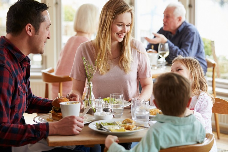 οικογενειακό δείπνο