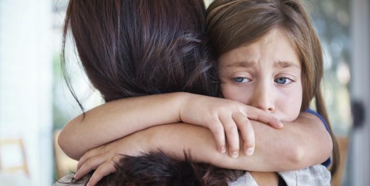 Φόβος αποχωρισμού – εγκατάλειψης: Πώς να βοηθήσετε τα παιδιά να τον αντιμετωπίσουν