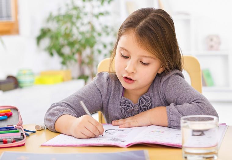 9 συμβουλές για να γίνει το διάβασμα του παιδιού στο σπίτι ευκολότερο και πιο αποδοτικό