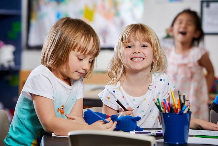 Πότε χρειάζεται το παιδί να επαναλάβει τη φοίτηση στο νηπιαγωγείο; Τι απαντά μια ειδική παιδαγωγός